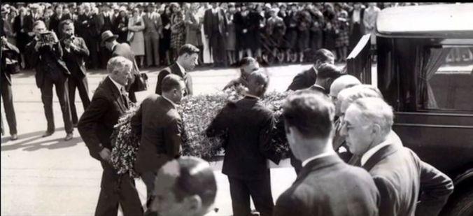 Mabel_funeral1930